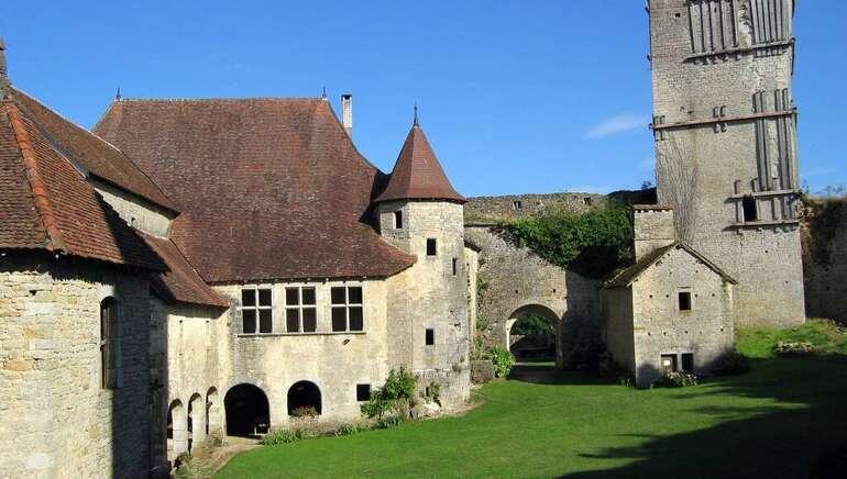 Chateau medieval d'oricourt