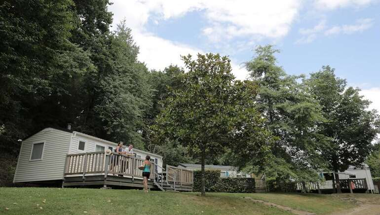 CAMPING INTERCOMMUNAL DU GUE SAINT-LEONARD