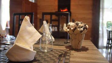 Logis Les Charmilles - Restaurant des Grands Crus
